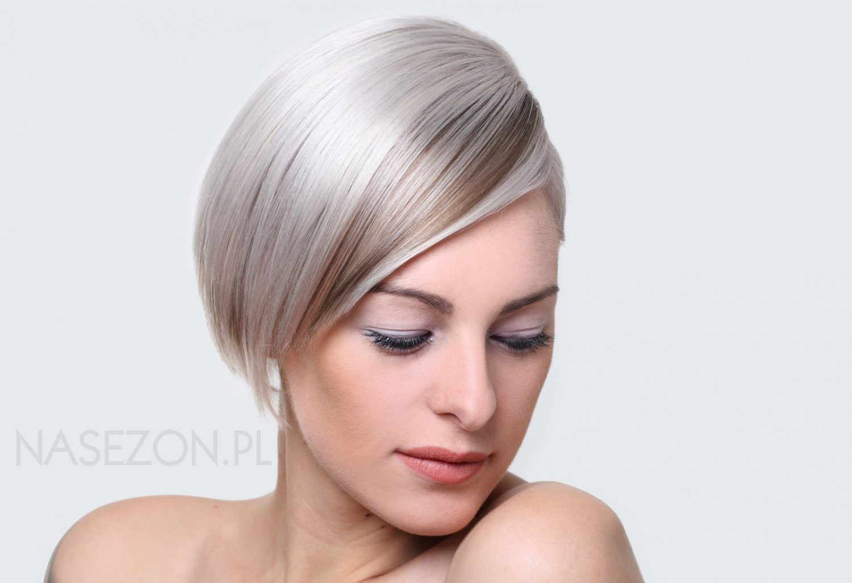 Fryzura Krótka Grzywka Na Bok Kolor Blond Galeria 3