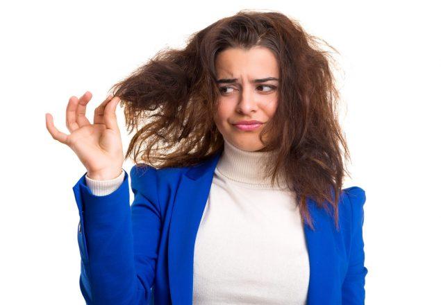 Domowe sposoby na przesuszone włosy